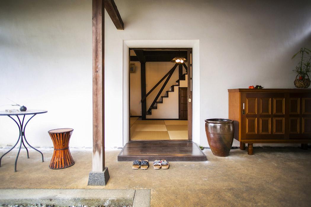Guest House of the Nakahaga Residence