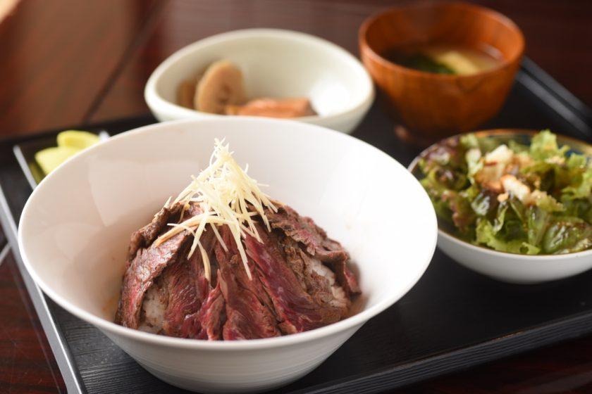 "Most popular menu ""Steak bowl"" 1,000 yen"