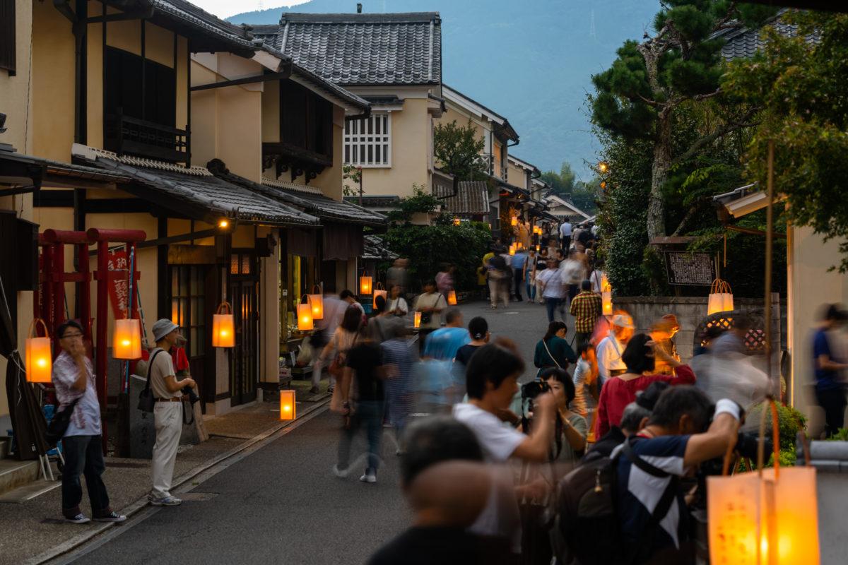 Moon watching in Yōkaichi