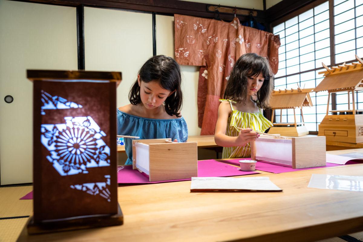 Mini paper lantern workshop